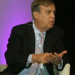 Alfonso-Arbaiza-durante-su-intervención-en-la-Smart-Talk-1