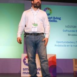 Néstor-Guerra-durante-su-ponencia-'Oportunidades-y-Tendencias-para-la-Andalucía-en-la-nueva-economía-digital'-(1)