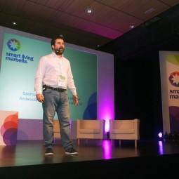 Néstor-Guerra-durante-su-ponencia-'Oportunidades-y-Tendencias-para-la-Andalucía-en-la-nueva-economía-digital'